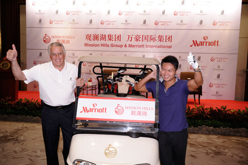 From Left: Simon Cooper, President and Managing Director of Marriott International, Dr. Ken Chu, Chairman and CEO of Mission Hills.  (PRNewsFoto/Mission Hills China)