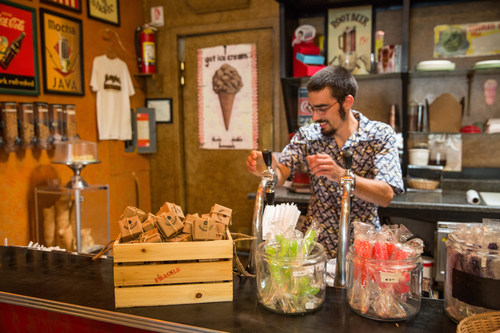 Locals and tourists alike visit Jezebel Fine Art & Wrought Iron in Madrid, New Mexico not just for the artwork, but for the ice cream, soda fountain, and now OREO Mini as well. Learn more and send your own OREO Mini delivery for free at OREOMiniDelivery.com. (PRNewsFoto/Mondelez International)