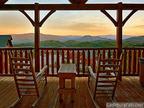 CabinsOfTheSmokyMountains.com, Gatlinburg Cabins.  (PRNewsFoto/Cabins of the Smoky Mountains)