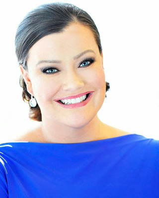 Co-Founder & CEO Jamie Kern Lima Named Ernst & Young Entrepreneurial Winning Woman(TM) 2013. (PRNewsFoto/IT Cosmetics) (PRNewsFoto/IT COSMETICS)