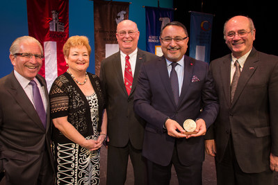 dr ehsan bayat founder and chairman of the bayat group left to right njit president dr joel bloom chair of njit alumni achievements