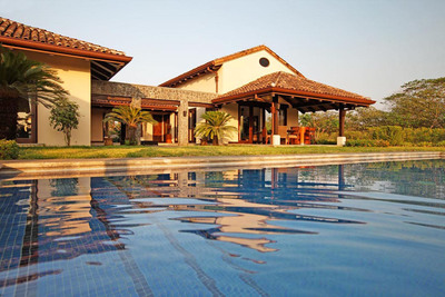 With its Colonial architecture, Los Almendros Residential Community is the perfect location for those who love nature as much as golf.  (PRNewsFoto/Hacienda Pinilla)