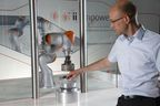 KUKA lightweight robots enable man and machine to work closely together. (c)KUKA