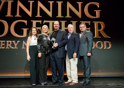 For the second year in a row, Applebee's recognizes Harry Rose of The Rose Group as The Abe Gustin Franchisee of the Year Award winner in Beverly Hills on Sept. 29; pictured left to right: Julia Stewart, President, Applebee's; Bonnie Lippincott, Chief Operations Officer, The Rose Group; Jeff Warden, President and CEO, The Rose Group; Harry Rose, Chairman, The Rose Group; Sanjiv Razdan, SVP of Operations, Applebee's.
