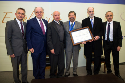 Dr. Salomon Lupa, Mr. Anthony McCarthy, Dr, Jose Narro, Dr. Juan Ramon de la Fuente, Mr. Alejandro Alfonso and Dr. Jose Halabe.