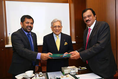 (L-R) Mr. Moosa Zameer, Hon. Minister of Tourism Government of Maldives; Mr. P.R.S. Oberoi Executive Chairman, The Oberoi Group; and Mr K.N. Balasubramanyam