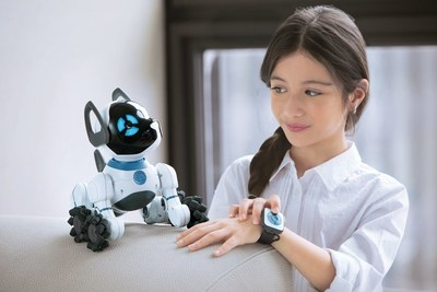 WowWee's CHiP can be controlled with the included SmartBand, Voice Recognition, and an updated, engaging app