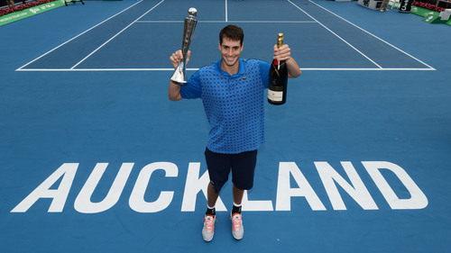 Isner Celebrates 23 Ace Tennis Victory With Moet & Chandon