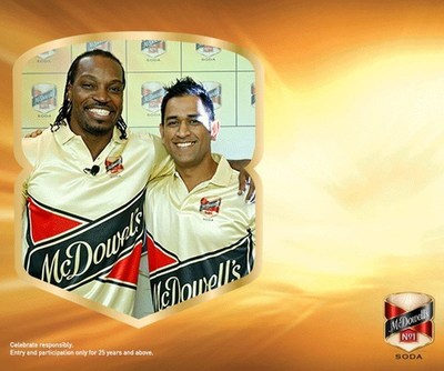 Share Your Favourite Hug Picture On LIVEINSTYLE.COM With Your YAARS And Win A Chance To Meet Dhoni AND Gayle (PRNewsFoto/LiveInStyle.com)