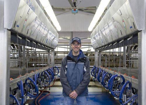 Chris McLaren inside his milking parlor using Afimilk Herd Management System (PRNewsFoto/Afimilk)