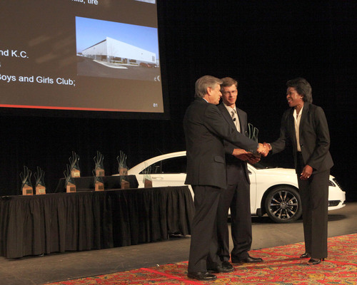 Gianni Coda, CEO, Fiat Purchasing  and Dan Knott, senior vice president, Chrysler Purchasing and Supplier ...