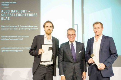 "Felix Zabel, Managing Partner LightGlass; Andrej Kupetz, CEO ""Rat fur Formgebung""; Paul Brettschuh, CEO LightGlass. Foto Credit: Klaus D. Wolf (PRNewsFoto/LightGlass Technology) (PRNewsFoto/LightGlass Technology)"