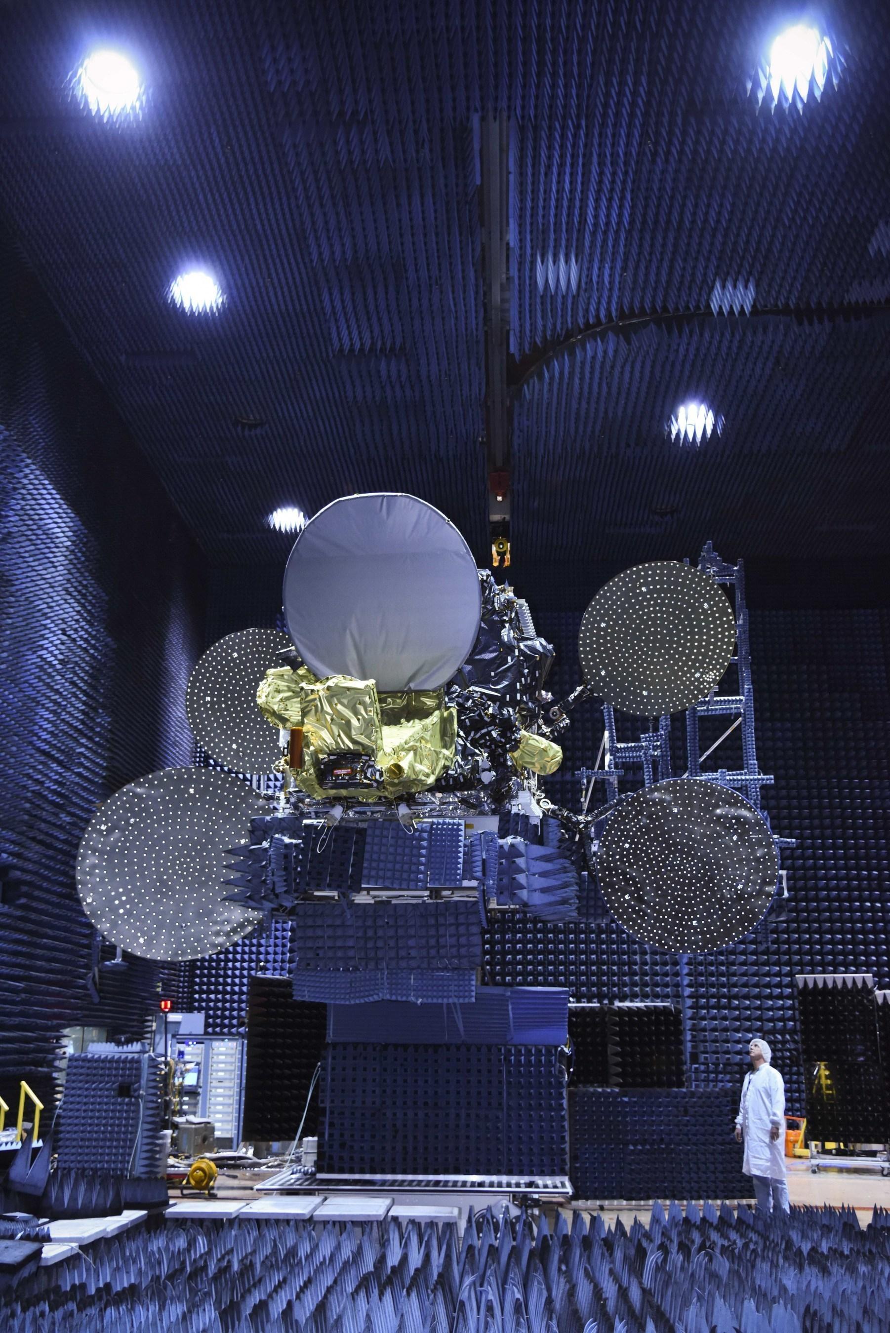 SSL delivers Eutelsat's advanced Latin America satellite to launch base