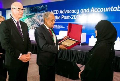 "Her Highness Sheikha Jawaher Al Qasimi receiving ""Sharjah Declaration"" from Sir George Alleyne and Dr Jose Luis Castro. (PRNewsFoto/Friends of Cancer Patients) (PRNewsFoto/Friends of Cancer Patients)"