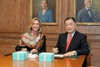 """Babson College President Kerry Healey and Tokyo University of Science Chairman Shigeru """"Sam"""" Nakane at Symposium for Entrepreneurship Educators (SEE) signing ceremonies held at Babson College"""