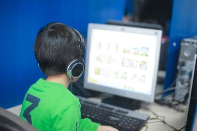 Hong Kong children pioneer new computer-based Cambridge English test