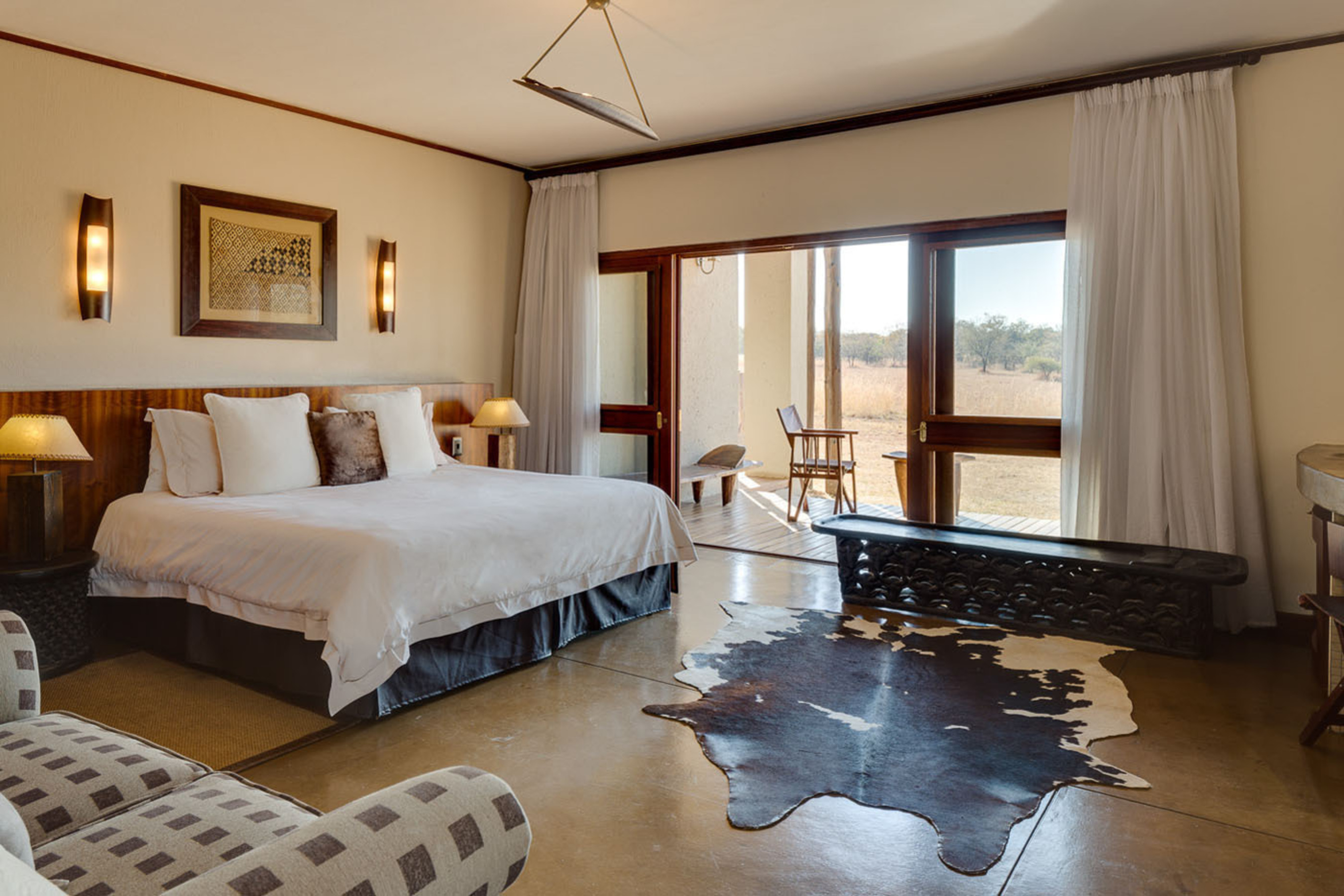 Marriott signs letter of intent to acquire Protea Hotel Group's Hotel Operations and Brands; Company expects to become largest hotel company in Africa.  (PRNewsFoto/Marriott International, Inc.)
