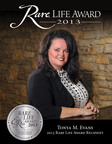 AFWMF Founder Tonya Evans recieves 2013 Eagle Rare Life Grand Prize.  (PRNewsFoto/Buffalo Trace Distillery)