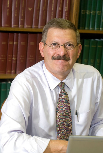 Dr. Ira Shoulson, Georgetown University.  (PRNewsFoto/HD Reach)