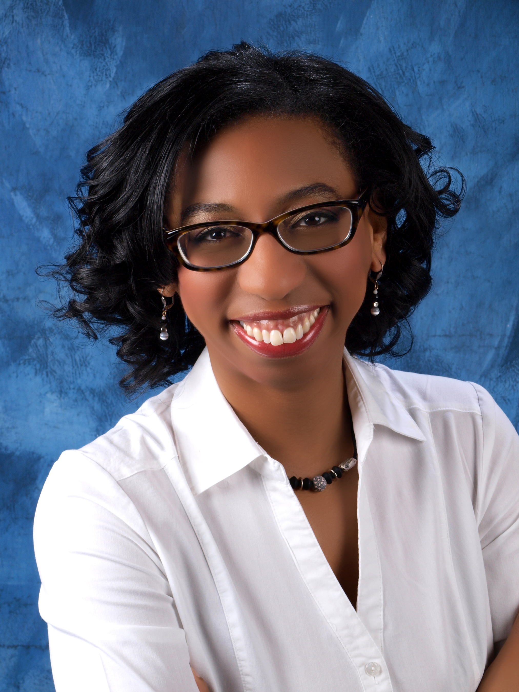 Author K. R. Raye will sign books at BEA on 5/30 from 10-11 am. (PRNewsFoto/J-pad Publishing)