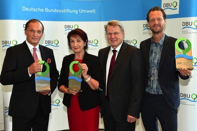 DBU honors entrepreneurs van Abel and Feeß and scien-tist Mettke - German President presents awards. German President Joachim Gauck and the DBU Board Chairperson and Parliamentary State Secretary of the Federal Environmental Ministry, Rita Schwarzeluhr-Sutter, to the entrepreneur Bas van Abel (39, of Amsterdam), the scientist Prof. Dr.-Ing. Angelika Mettke (64, of Cottbus), and the entrepreneur Walter Feeß (62, of Kirchheim/Teck) . (PRNewsFoto/DBU)
