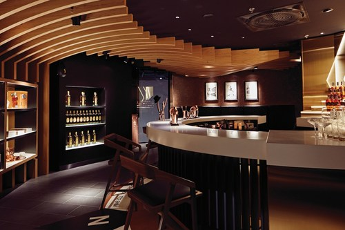 Europe's first Johnnie Walker House - a luxury Scotch Whisky embassy, located in Lounge 2 of Amsterdam Airport Schiphol (PRNewsFoto/Diageo)
