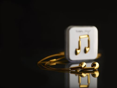 Happy Plugs musical accessories look as good as they sound, a fresh take on jewelry made of 18-carat solid ...