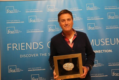 Michael W. Smith with the Friend of Zion Friendship Award