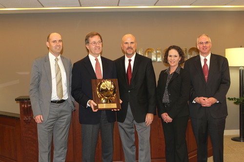Pictured L to R: Luke Anderson, CEO Unimin Corporation; Kevin Crawford, Executive Chairman, Sibelco Corporation; Brian Bidigare, Vice President - Procurement & Materials, Halliburton; Shannon Lewis, Category Manager - Frac Sand, Halliburton; Mike Hillman, Director - Category Management, Halliburton. (PRNewsFoto/Unimin Corporation) (PRNewsFoto/UNIMIN CORPORATION)