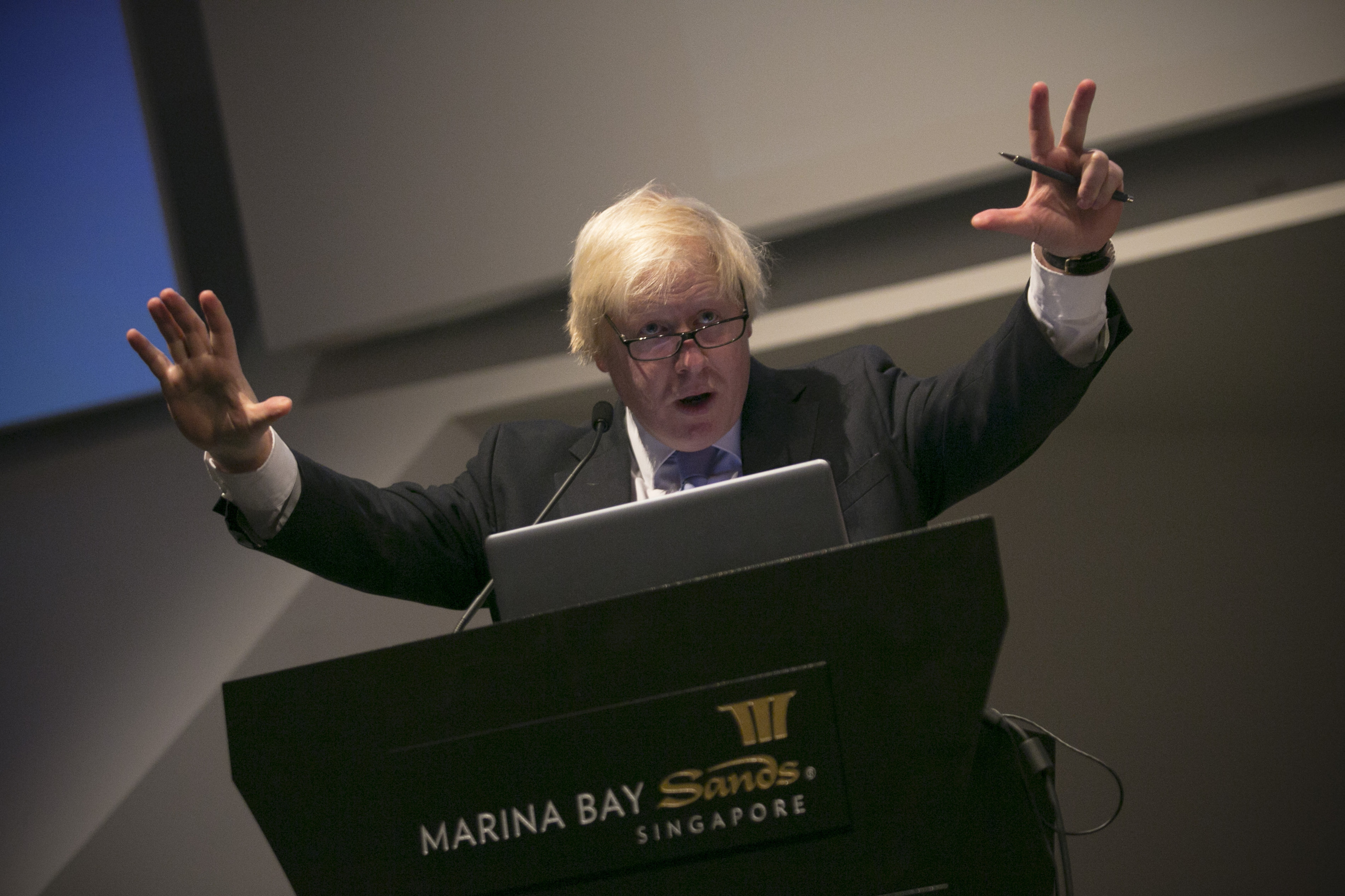 """The Mayor of London, Boris Johnson, is pictured at the ArtScience Museum in Singapore where he revealed new figures compiled by London & Partners that show record venture capital investment into London-based FinTech firms. So far this year companies have attracted more than US$539 million âeuro"""" triple the amount raised in 2013 âeuro"""" and an amount representing more than half of all FinTech investment across Europe. The Mayor is on a six day trade mission to the Far East where he is aiming to build on his work to create jobs and growth, and promote London to the world as a major investment destination as he leads a trade mission to Singapore, Jakarta and Kuala Lumpur. (PRNewsFoto/London _ Partners)"""