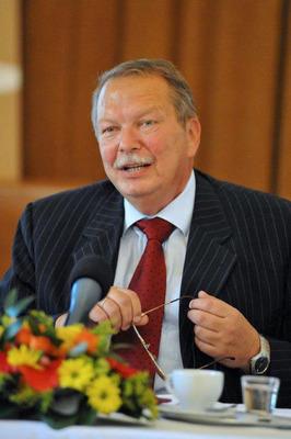 Chairman of the Awarding Ceremony of Golden Biatec 2013: Peter Kasalovsky, the chairman of the Informal Economic Forum Economic Club Association, 1993 - 2013. (PRNewsFoto/Dr. Rongxiang Xu) (PRNewsFoto/DR. RONGXIANG XU)