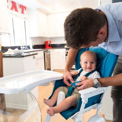 Say hello to the new tradition in high chairs! The Nook uses a swing-open tray to simplify mealtime.