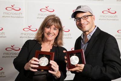 Ida Cole and Hadi Partovi win Microsoft Alumni Foundation's 2013 Integral Fellows Awards. Photo credit: Randell Walton Photography.  (PRNewsFoto/Microsoft Alumni Foundation)