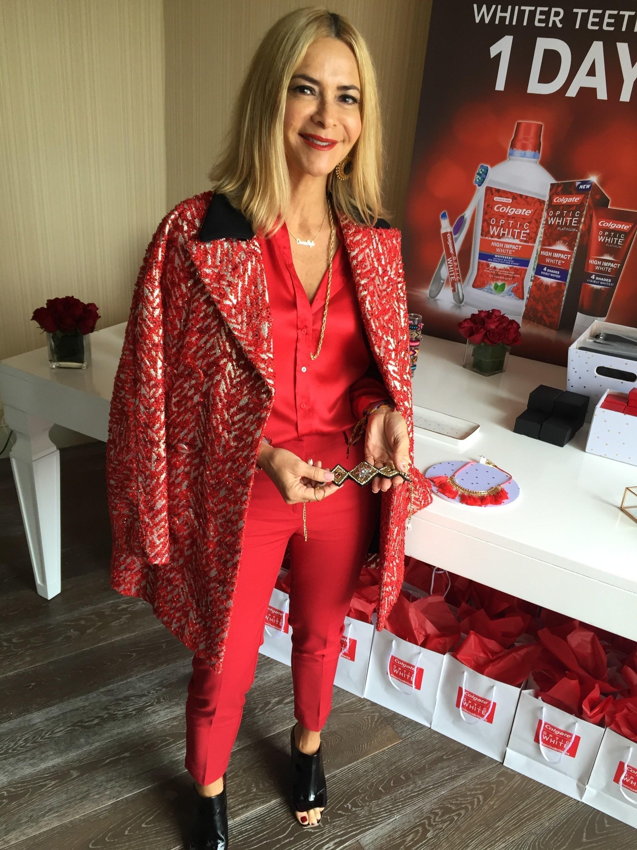 La famosa estilista Irma Martinez comparte consejos de moda para lucir un Designer Smile en la Suite de Colgate Optic White High Impact White durante el #WeAllGrow Summit en Long Beach, CA.
