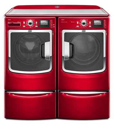 New Maxima(TM) Washer Uses Algorithms to Determine When, and How Much, Detergent to Inject.  (PRNewsFoto/Maytag Brand)