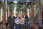 General Manager Ed Walls presents the key to the Diplomat to Hollywood Mayor Peter Bober, joined by Dianna Vaughan, global head of Curio - A Collection by Hilton, Thayer Lodging Group Managing Director Shai Zelering and Joe Berger, President, Americas, Hilton Worldwide.