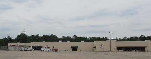 Former Walmart Store Becomes U-Haul Moving and Storage of Pine Bluff (PRNewsFoto/U-Haul)