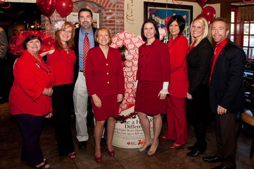 Put your hearts up & support Mimi's Goes Red in the fight against heart disease.  (PRNewsFoto/Mimi's ...