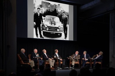 """Keno Brothers Symposium """"At the Crossroads of Art, Engineering and Innovation: The Multi-Faceted World of Historic Automobiles"""" comprised of such profound automotive experts (l to r) Archie Urciuoli, Murray Smith, Peter Brock, Dietrich Halapa and Kent Bain - moderated by Leslie and Leigh Keno (right)"""