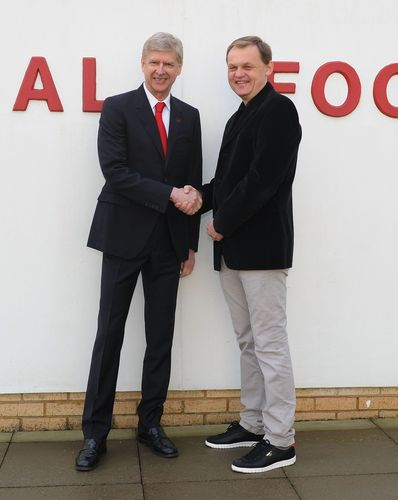 London - 27 January 2014: Bjoern Gulden CEO of PUMA and Arsène Wenger Arsenal FC Manager, confirm a new long ...