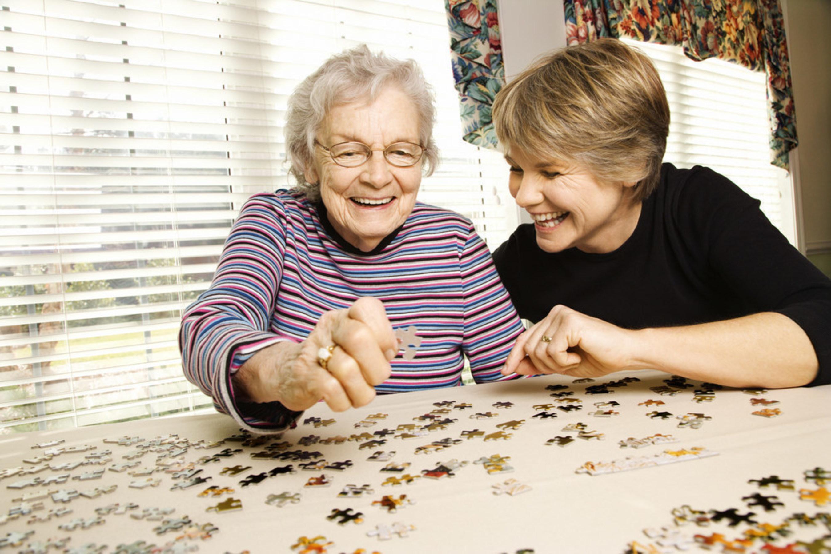 Personas mayores con baja visión: sencillas modificaciones en el hogar pueden ayudar a disminuir la