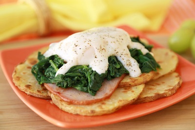 Potato 'n Eggs Bene-chick. (PRNewsFoto/The United States Potato Board) (PRNewsFoto/THE UNITED STATES POTATO BOARD)