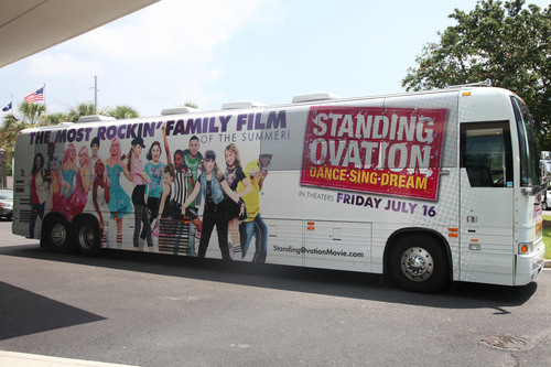 Standing Ovation Cast Hits the Road on National Tour