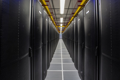 Colocation hall within Equinix IBX(R) data center in Sydney, known as SY4