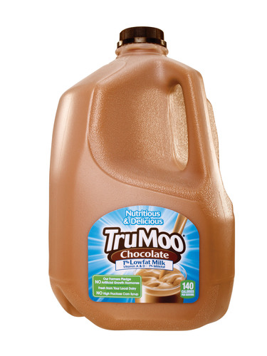 TruMoo Chocolate Milk has undergone a makeover and now contains 35% less sugar than a leading national brand.  (PRNewsFoto/Dean Foods)