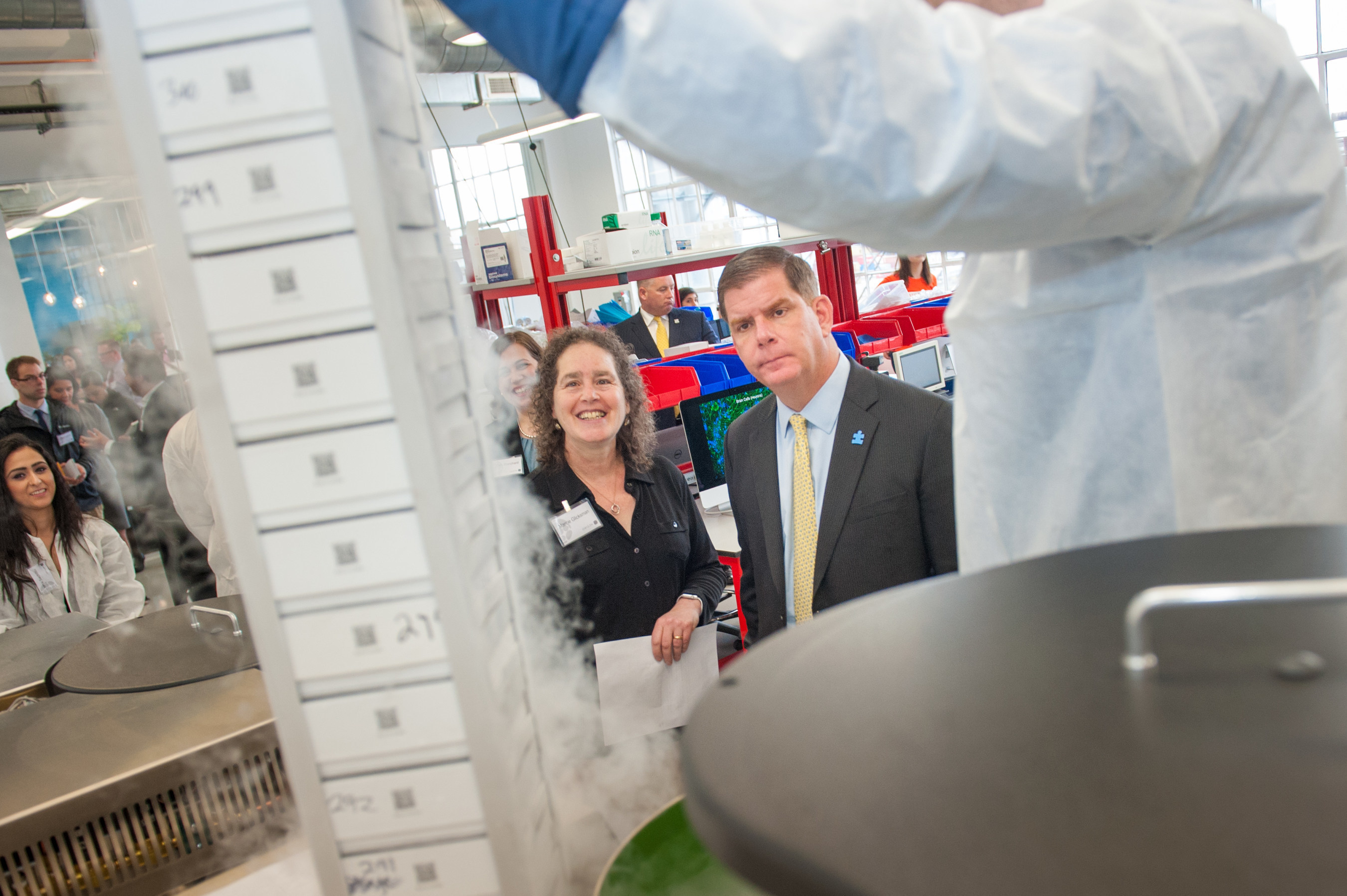 Mayor Martin J. Walsh viewed the contents of ORIG3N's LifeCapsule, the world's largest biorepository of induced pluripotent stem cells (iPSCs), during a lab tour with Marcie Glicksman, VP of Biology at ORIG3N. ORIG3N is the only biotechnology company that is crowdsourcing blood samples to understand the cellular and molecular foundations of disease. ORIG3N's new facility will help accelerate the next stage of evolution with iPSC technology.