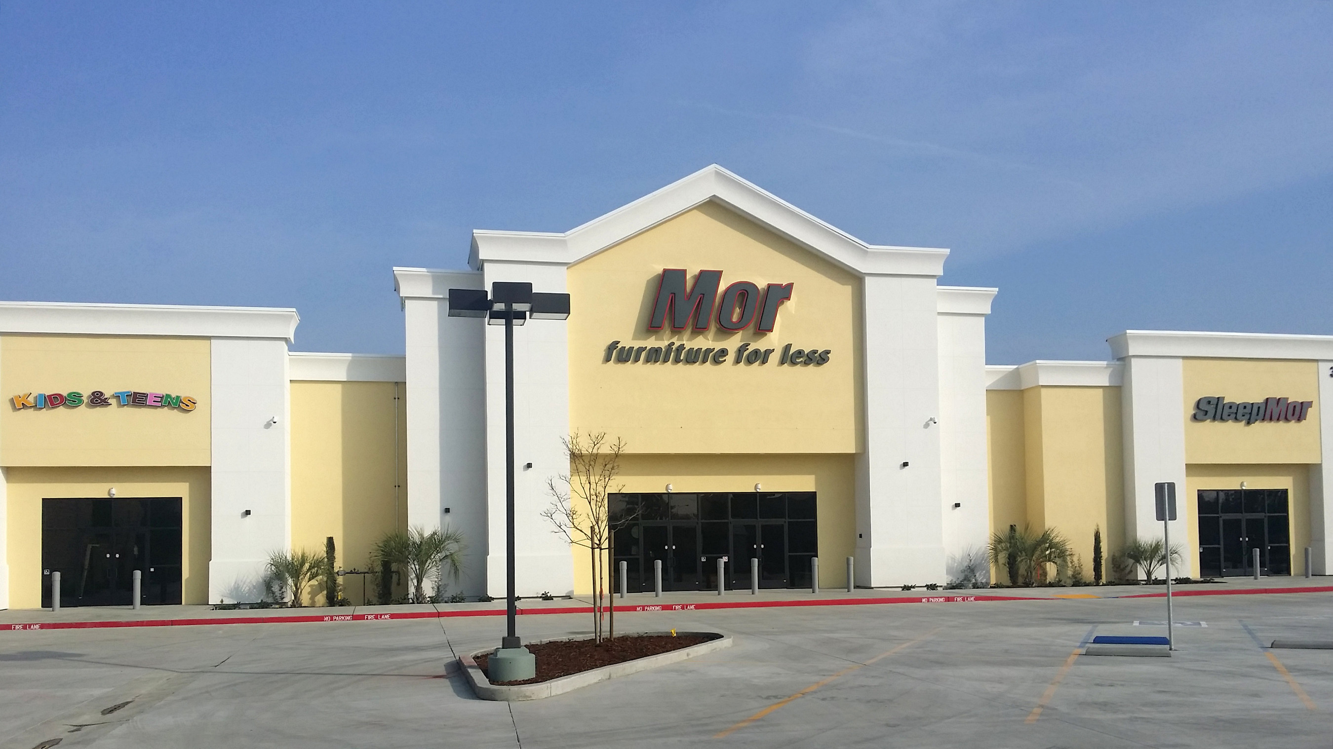 Mor Furniture for Less Opens Its 14th Furniture Store in Visalia