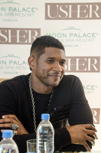 Grammy award-winning Usher rocks the stage at Moon Palace Golf & Spa Resort, Cancun's premier entertainment resort destination. More than 14,000 resort guests, local VIPs and government officials attended the sold-out concert. Usher spent a few nights on property with his family prior to his performance, enjoying some free time and taking advantage of some of the resort's amenities, including the free-form swimming pools and gourmet restaurants.  (PRNewsFoto/Palace Resorts)