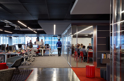 The newest floor at Morningstar's Chicago headquarters is geared toward its technology employees and accommodates approximately 185 seats. Photo Credit: Steve Hall(C)Hedrich Blessing.