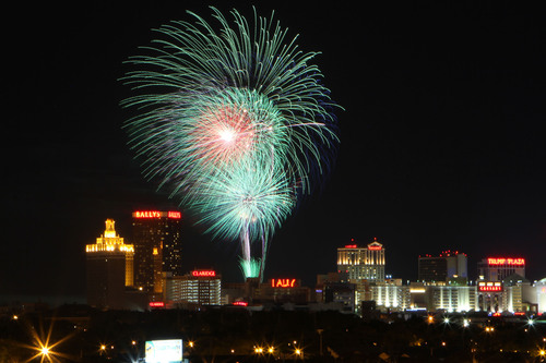 ATLANTIC CITY'S NEW JULY 4TH FIREWORKS DO AC MEGA-SHOW! FIREWORKS SURROUND THE ISLAND FROM THE AC BEACH AND  ...